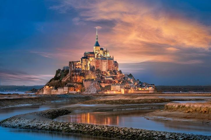Artist  :     PUNTO Studio foto Works :     The Mont Saint michel Normandy France