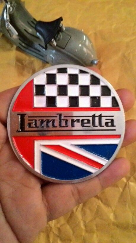 Badge lambretta chequared uk  Size. 7cm to 7cm