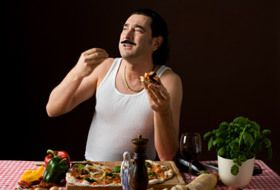 Italian people love food. This is defenitely true! Taking time for food is a basis principle. They say, you live to eat!