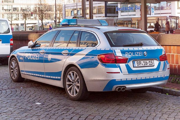bmw f11 of federal police of germany at hamburg altona station wikipedia auto de police. Black Bedroom Furniture Sets. Home Design Ideas