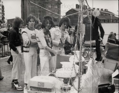 BAY-CITY-ROLLERS-Genuine-Vintage-8x10-B-W-Photograph-Rare-Lab-Photo-3