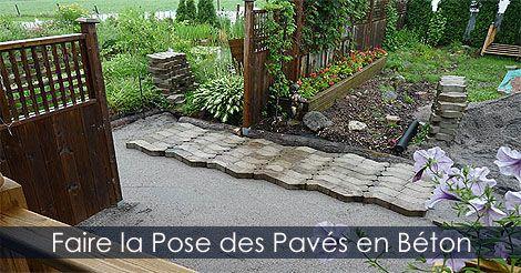 Pose des pavés sur le lit de pose - Poser des pavés - Faire la pose de pavés - Pose de pavé uni. Instructions : http://www.jardinage-quebec.com/guide/poser-des-paves/pose-de-paves-11.html