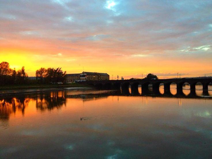 Gorgeous sunset over the Long Bridge, Barnstaple, north Devon 19th October 2012.  C/o Marie Sjostrom & Twitter / MCSjostromPhoto: