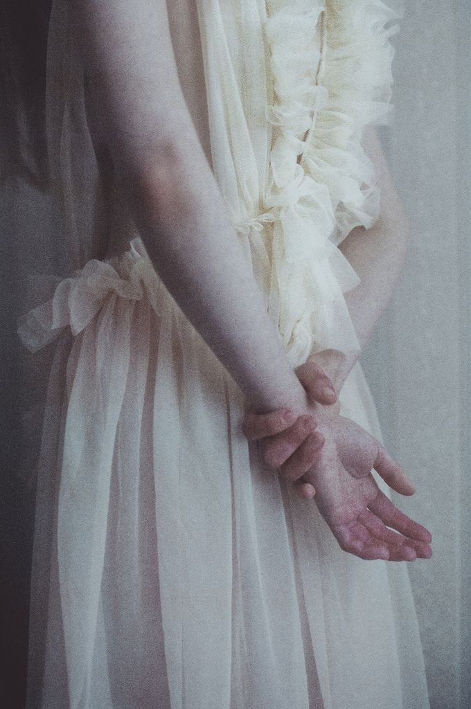 Encaje // Lace Detalle de vestido de novia romántica  #noviaromantica #veatidodeboda #encaje