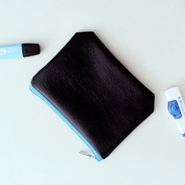 New Ready for your pencil case - Blue Casson Pouch Material : Premium Synthetic Leather IDR 45.000  How to buy? Whatsapp : 081807000120  Follow Vorshki on: Instagram, Twitter & Facebook Page