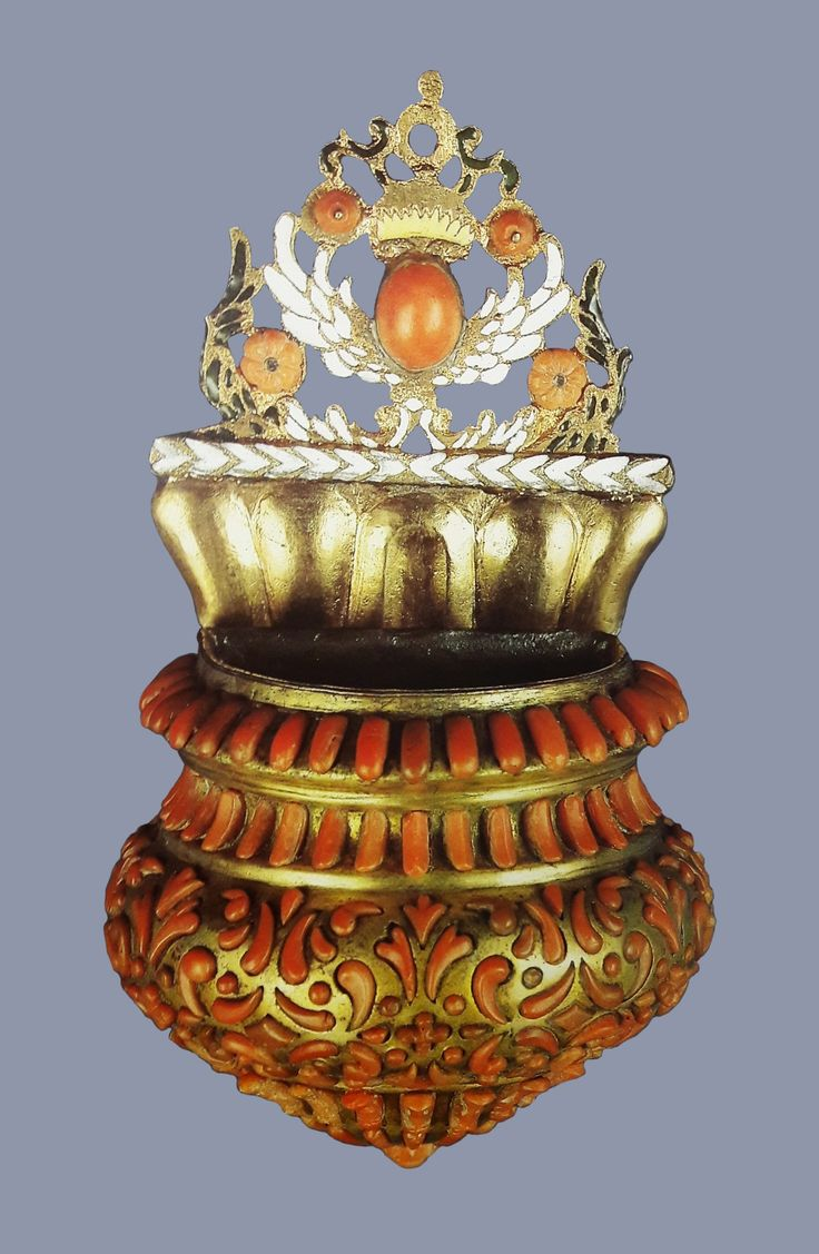 Gold holy water font adorned with coral by Anonymous from Trapani, first half of the 17th century, Skarbiec Paulinów na Jasnej Górze, from a set offered by Michael Korybut Wiśniowiecki to the Jasna Góra Monastery in 1670