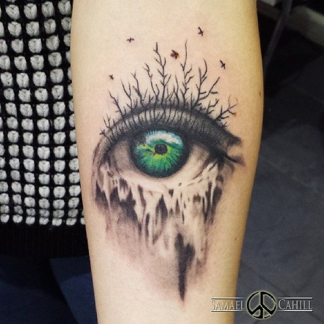 45 Mesmerizing Surreal Tattoos That Are Wonderful: Pin By Hanna Varrone On Inked
