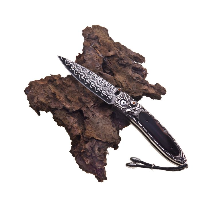 Superb craftsmanship meets intricate design. This William Henry pocket knife incorporates the best of both worlds.