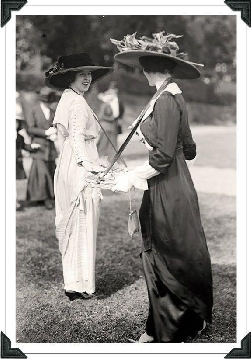 Vintage Women's Clothing Looks | 1910' WOMEN