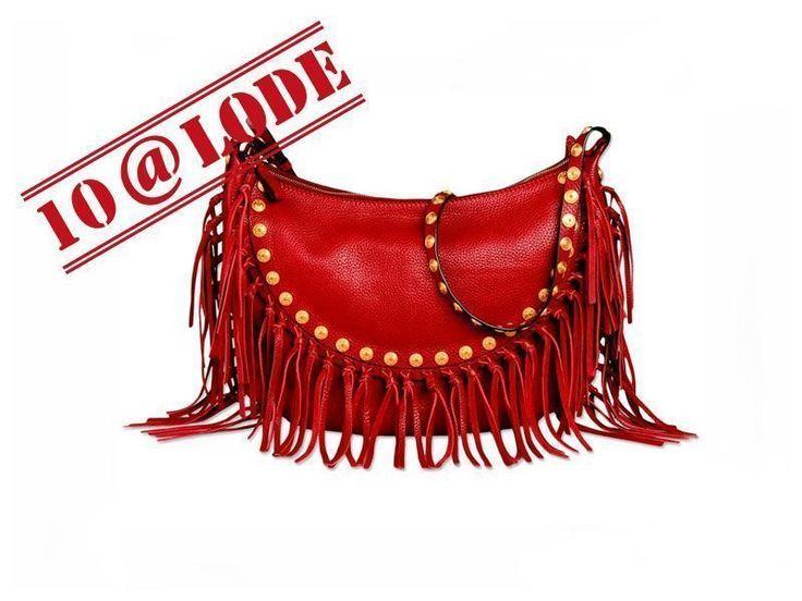 Lunghe, scenografiche, colorate: le borse con le frange sono l'accessorio più di tendenza per la primavera. Abbiamo scelto i 20 modelli più belli