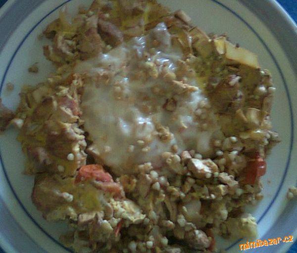 Recept dělaný pro 7. den diety podle Havlíčka. Správně má být 40g pohanky a 170g šmakouna, mně zbylo...