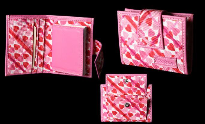 Fotografía y montaje. Billetera, motivo rosado para mujer.