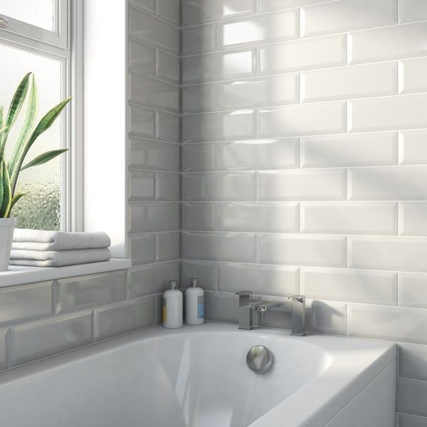 Maxi Metro Subway Light Grey Bevelled Gloss Wall Tile 100mm X 300mm Victoriaplum Com Bathroom Wall Tile Wall Tiles Modern Bathroom Design