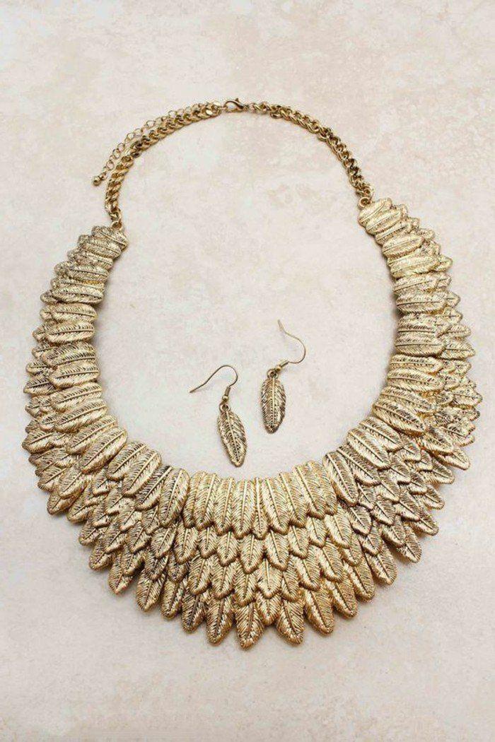 collier plastron pas cher en or, gros collier fantaisie