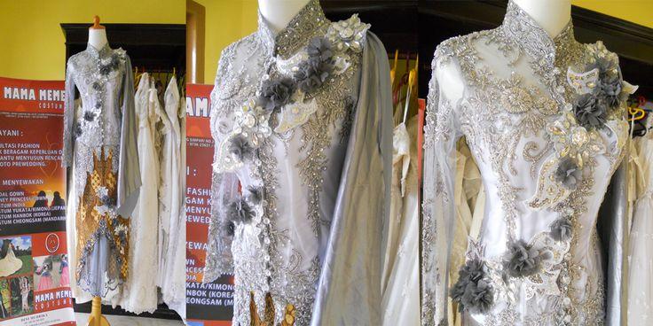 Kebaya Bunga Perak by Mama Meme Costume