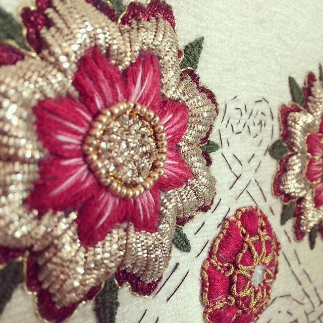 Must get around to finishing a this one. #Goldwork #silkshading  #tudorrose #embroidery #embroideryartist #embroiderylove