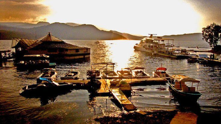 Embarcadero_3_lago_valle_de_bravo_Atardecer_4