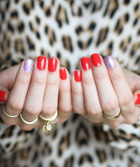 I want this manicure. And those rings.