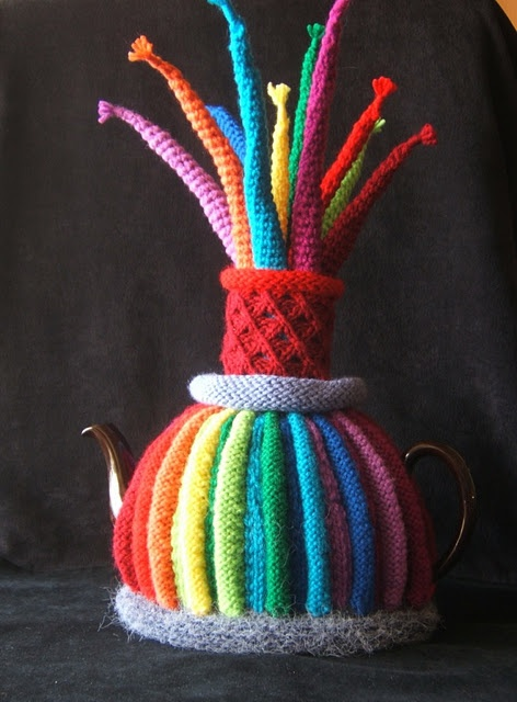 Splendiforous Tea Cozy by Ms Jenny from Capetown, pinned from the Queen of the Tea Cosies. Splendiforous!
