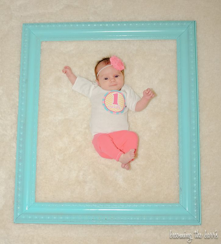 1 month old baby picture cute idea @ Amanda for miss Allie every month till she's 1