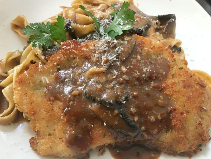 From hungry to happy. #marsalamonday #doorcountydining #pastavino  Chicken or veal - panko parmesan crust, brown sauce, portabellas, marsala, fettuccine at Pasta Vino in Sister Bay, Door County, WI www.pastavinodc.com