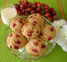 Muffins aux fraises et aux bananes.  Testé. Verdict: excellents!
