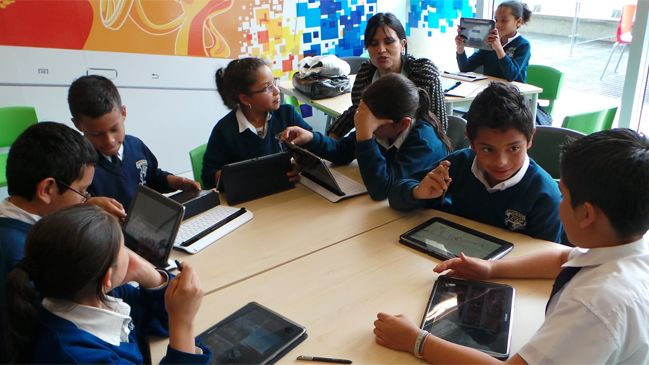 Samsung donó nuevas salas tecnológicas a colegios de escasos recursos - Cooperativa.cl