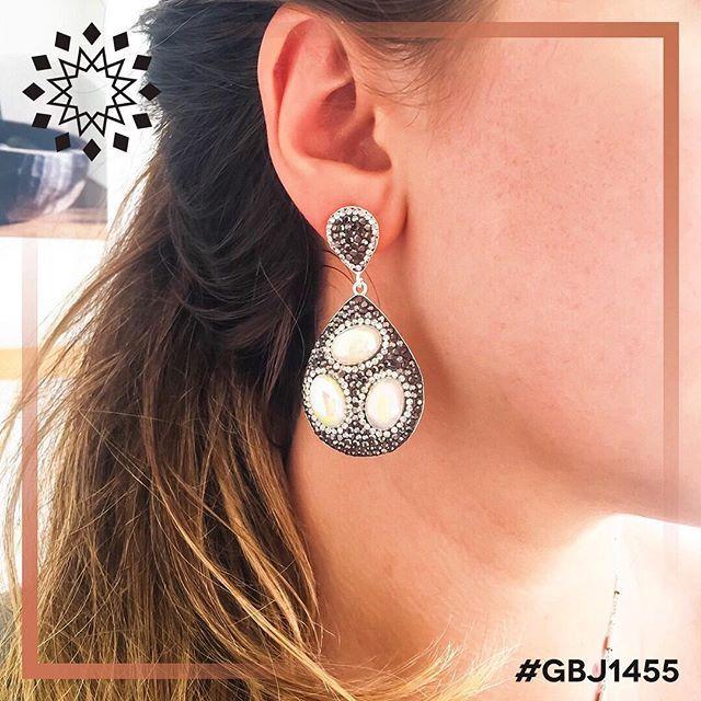 Another #unique #design by #GBJ1455  #artisan #bijoux #earring #handmade…