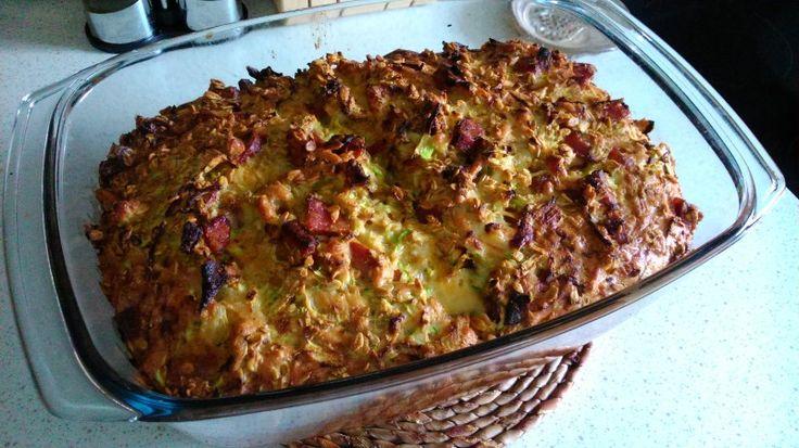 Cuketový koláč s uzeninou a sýrem