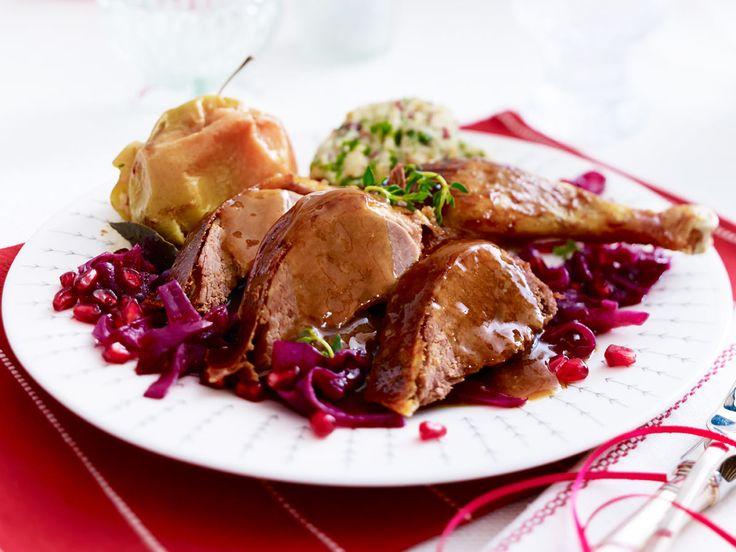 Knusprige Karamellente mit Granatapfelrotkohl und Ciabatta-Gnocchi