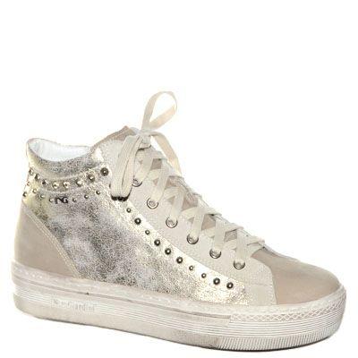 #Sneaker# in pelle laminata beige.