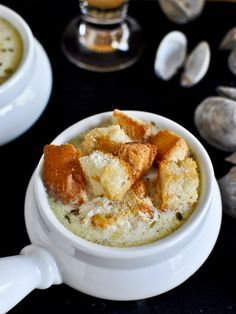 fresh new england clam chowder with brown butter garlic croutons