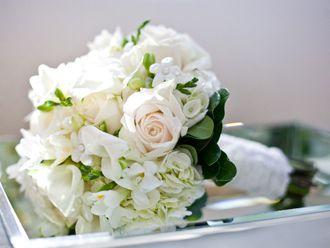Bouquet Blanco y Crema con Rosas -- Fotografía: Entwined Studio