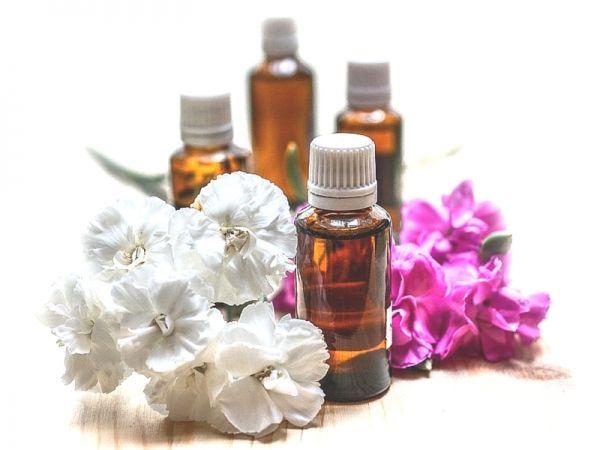 La ricetta dell'olio rilassante per il massaggio infantile