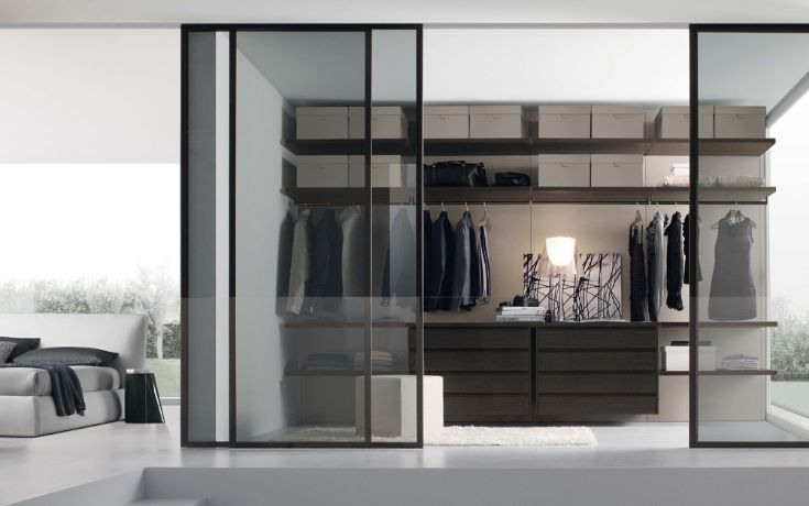 A highly customisable walk-in wardrobe system with endless storage options. The Walk-in Scenario design is versatile and elegant.