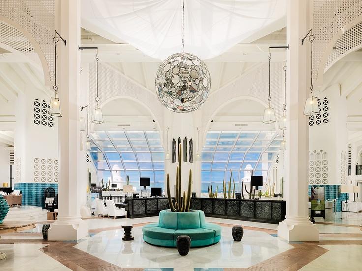 Vista general del lobby y la recepción (¡Renovados!)