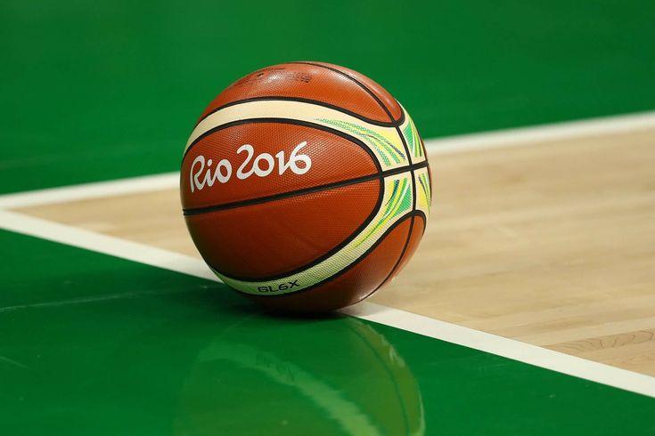 #バスケ もう間もなくティップオッフ🏀女子代表はアメリカ #USA と準々決勝で戦います💪🏼💪🏼💪🏼💪🏼 #オリンピック #リオ2016 #Rio2016 #リオ五輪