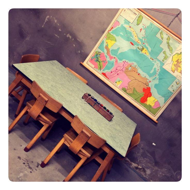 Aan tafel!!Schattige vintage set voor de kleintjes.