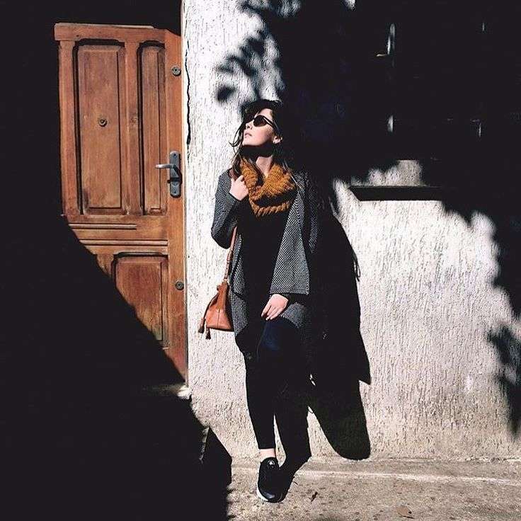 Inverno em SP. Frio e sol com a nossa @harianameinke . #muitoamor Obrigado por mais um clique lindo com a nossa #BolsaMiniMeja  Hari!