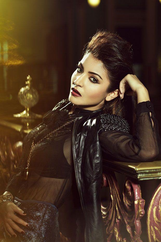 Anushka Sharma Latest Photoshoot - Papparasi