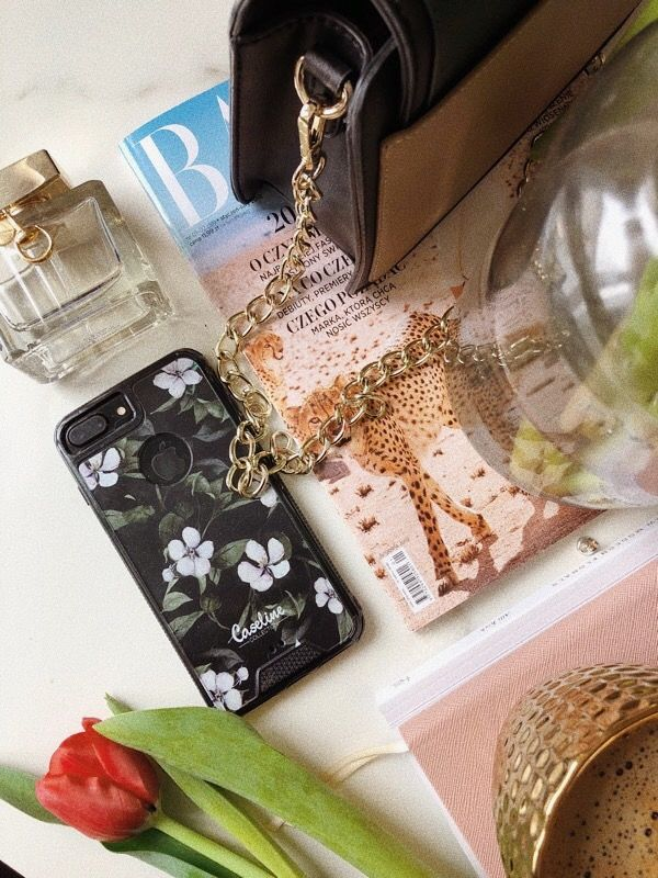 #ochnik #moda #etui #case #caseline #growingupblack #bag #torebka #perfumy #perfume #newspaper #gazeta #poland #accessories #akcesoria