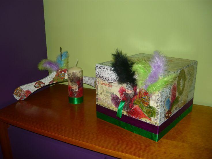 Pudełko,świeczka i wieszak z motywem Carnaval Venezia,wykonane techniką decoupage.
