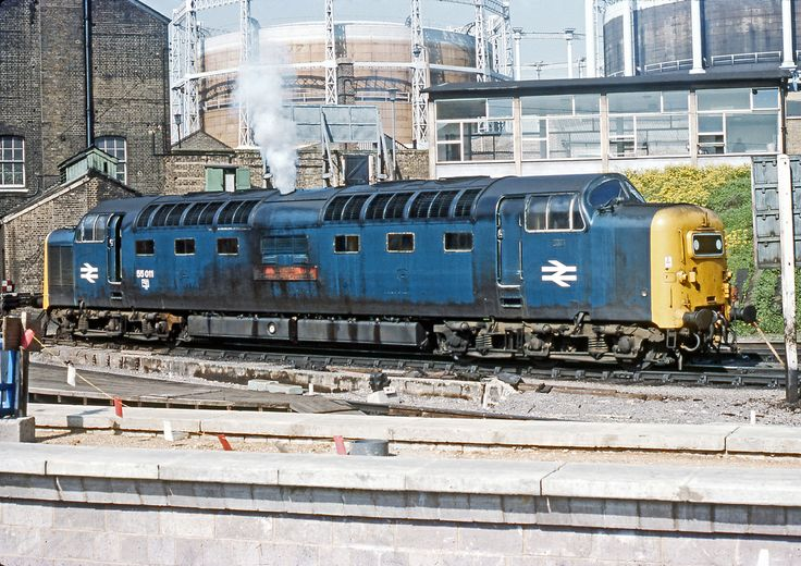 55011 'The Royal Northumberland Fusiliers' at Kings Cross on 29th May 1977.