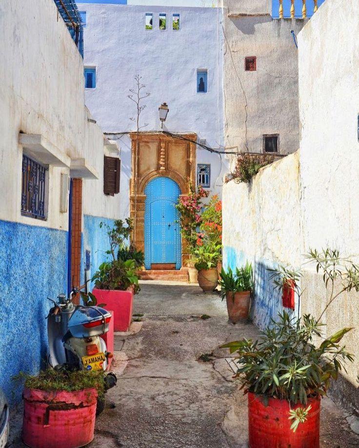 Rabat Maroko  - #rabat #maroko #morocco #maroc #moroccotravel #morocco #belekaj #godej #rajza #travel #podróż #podroze #podróże #zwiedzamy #zwiedzanie #blogtroterzy #blogpodrozniczy #instatravel #street #colors #blue #tb