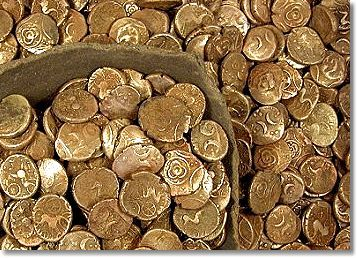 824 gold staters found in a field near Wickham Market, Suffolk, (an area once on the southern fringe of Icenian territory, near its border with the Trinovantian tribal kingdom) . Almost all the coins were minted by royal predecessors of Boudicca made between 40BC and AD 15 - late iron Age
