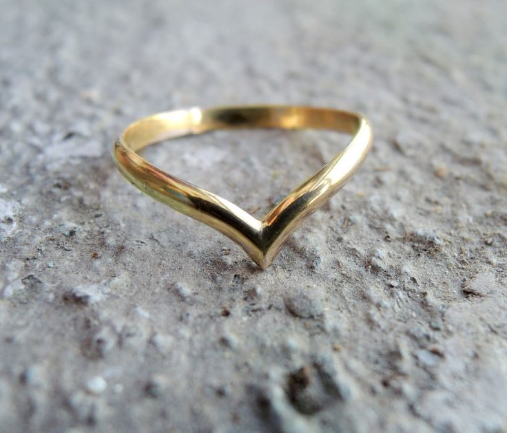Solid Gold 14K Chevron Ring 12 Gauge - Yellow Rose or White Midi Rings Wedding band - Made to Order by FemmeMecanique on Etsy https://www.etsy.com/ca/listing/263548744/solid-gold-14k-chevron-ring-12-gauge