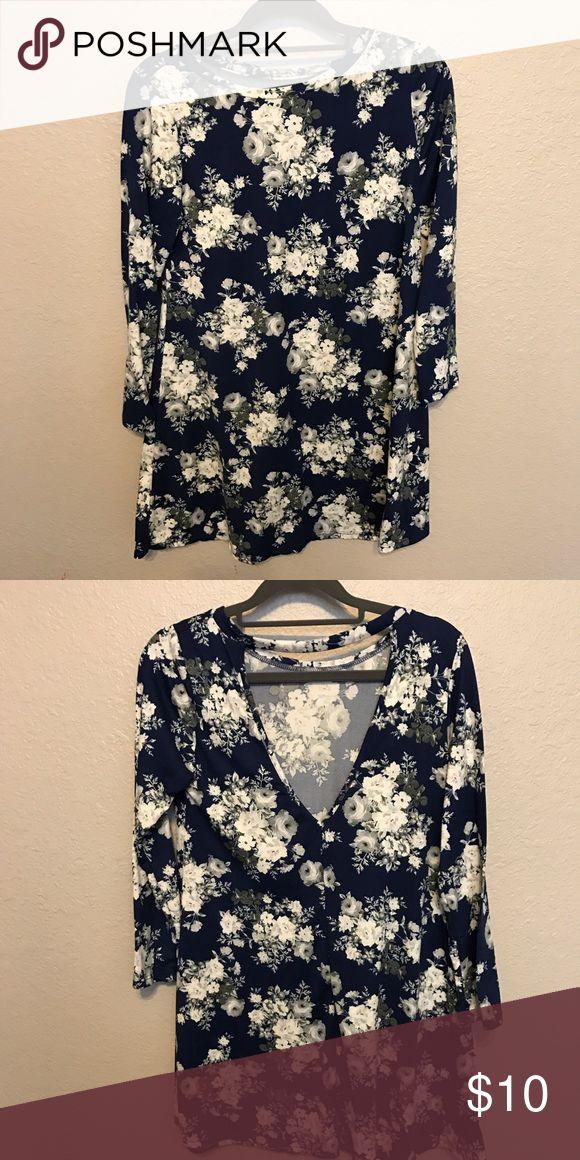Flower pattern Shift Dress Knee length Shift Dress. Super cute for the spring. Dresses