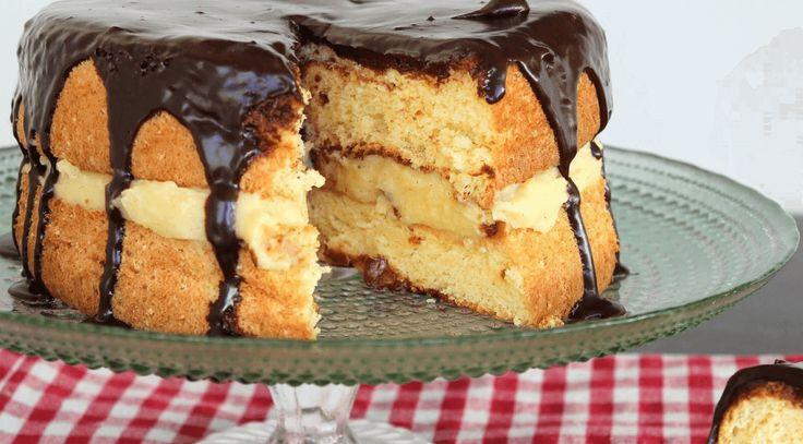 Συνταγή για τούρτα κωκ με γλάσο σοκολάτας από την Αργυρώ Μπαρμπαρίγου   σπιτική γεύση που μας γυρίζει στα παιδικά μας χρόνια
