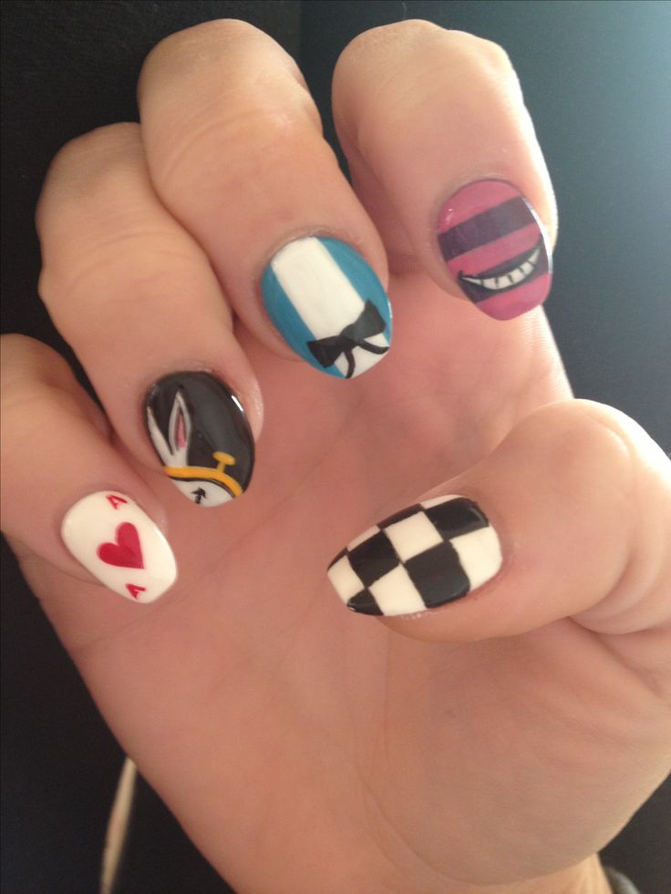 My nails!!! Alice in wonderland!