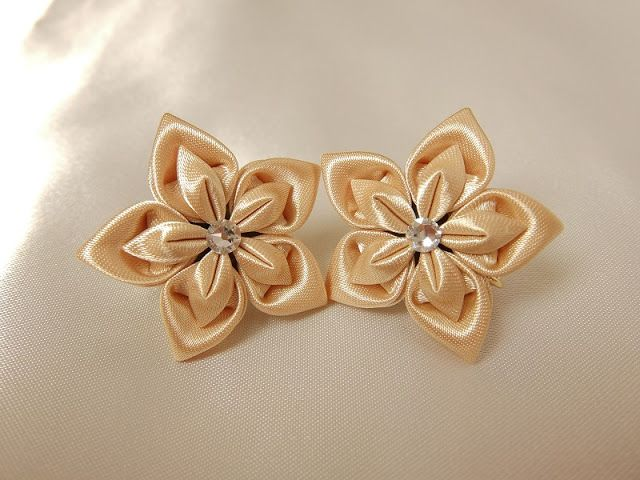 Star earrings.